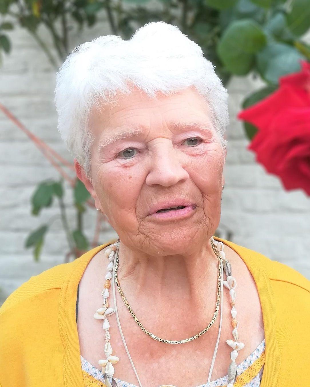 Paula VANHAVERBEKE